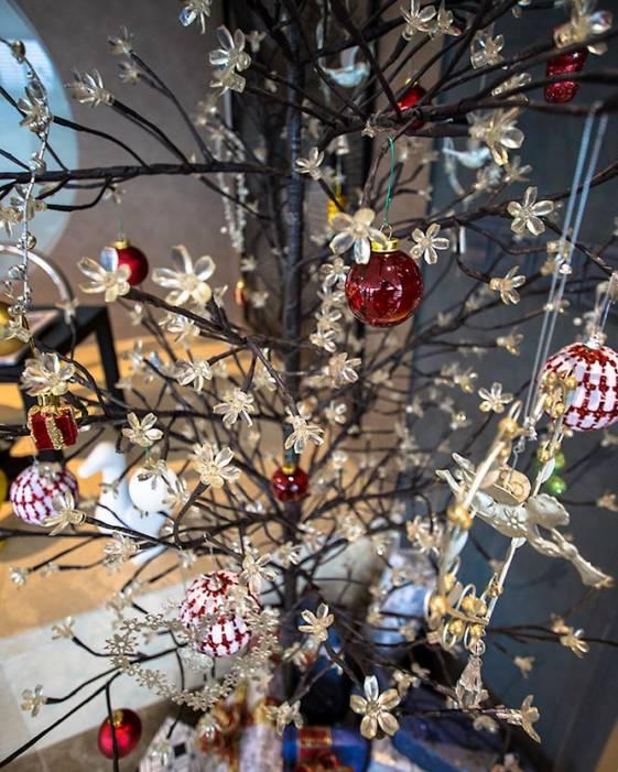 christmas decorations wangz hotel singapore