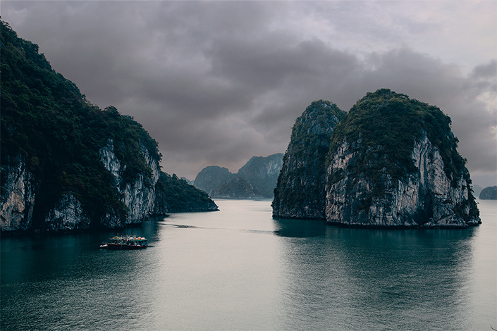 Vietnam Itinerary, Ideas and Travel Tips - TRAVELTIPSTER