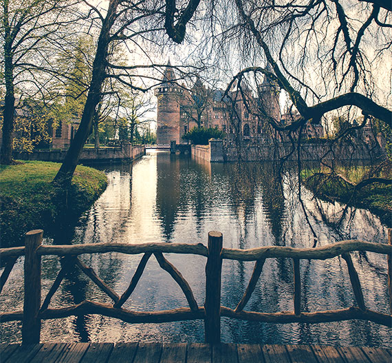 things to do in the Netherlands Den Haar Castle, castle and water, bridge