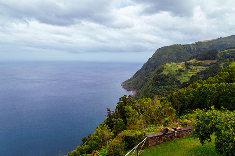 Cliffs and the sea, of Ponta Do Sossego
