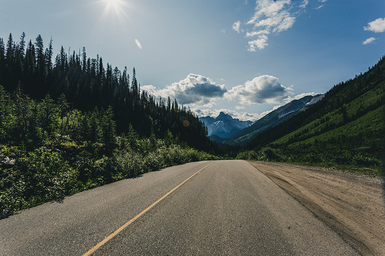 The Icefields parkway in mid-day.