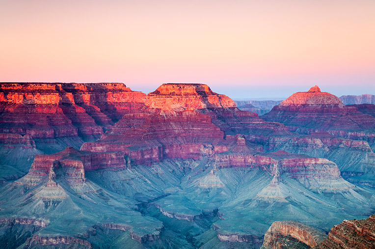 The sun rising over the Grand Canyon, Las Vegas seven day itinerary.