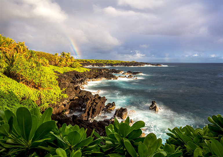 A rainbow over the Piilani trail on a Maui itinerary, day 3.